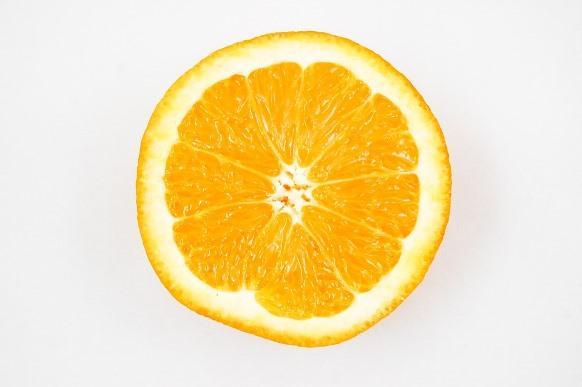Não jogue as cascas da laranja fora. Use-as para perfumar a casa. (Foto Ilustrativa)