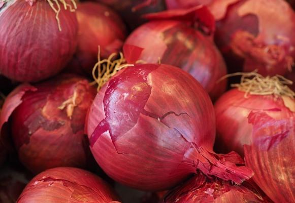 A cebola roxa melhora as defesas do organismo. (Foto Ilustrativa)
