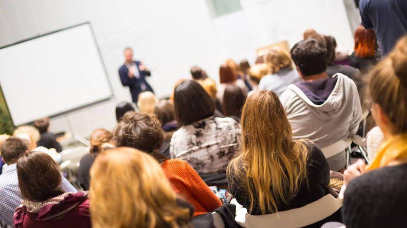 Alguns cursos são mais rápido e permite a inserção do jovem no mercado de trabalho mais fácil (Foto: Exame/Abril)