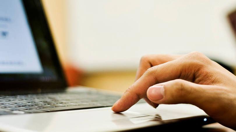 Vários cursos onlines e até dicas no Youtube podem ser aproveitados neste momento de tranquilidade (Foto: Exame/Abril)