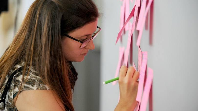Oportunidade ajuda o jovem a conhecer a dinâmica do mercado de trabalho (Foto: Exame/Abril)