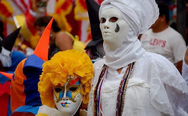 Crianças podem usar máscaras e roupas como no carnaval da Europa (Foto: Site Abril)