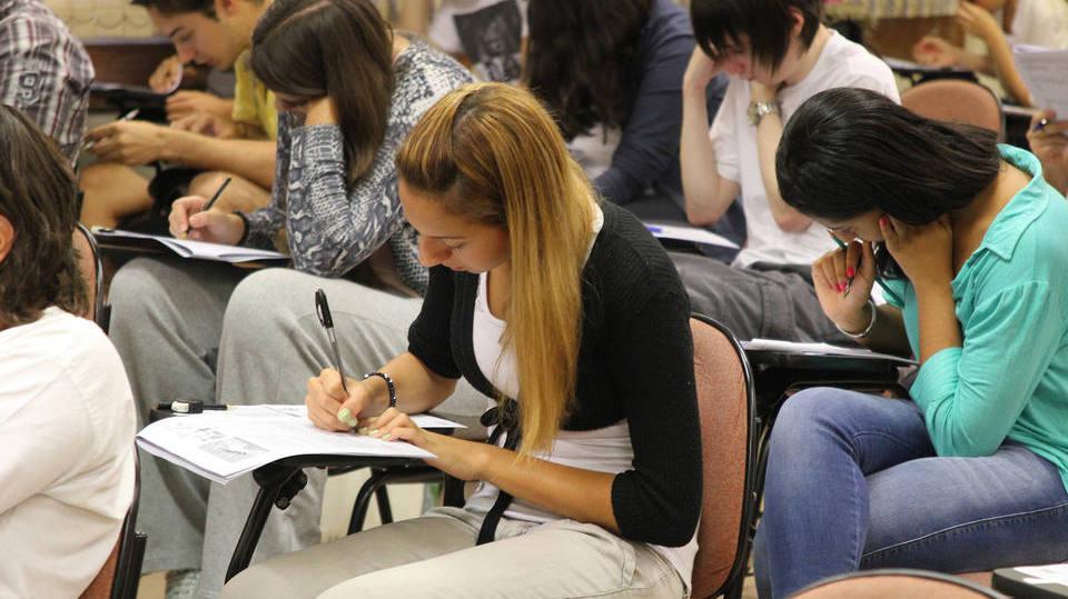 Programa já abriu a porta do estudo para milhares de jovens (Foto: Exame/Abril)