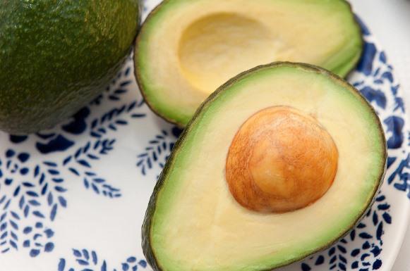 O abacate é um ingrediente com alto poder hidratante. (Foto Ilustrativa)