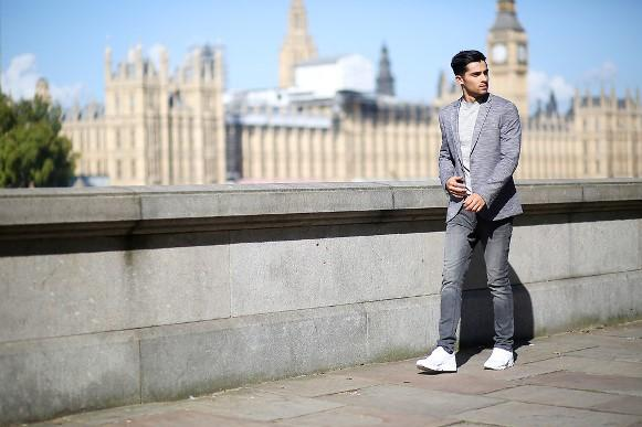 Combinação de blazer e calça jeans. (Foto Ilustrativa)
