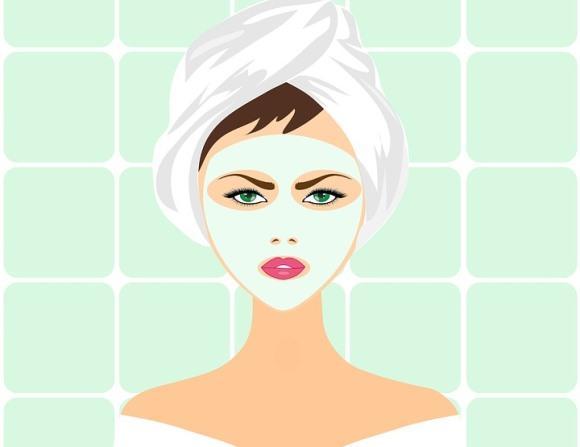 Deixe a máscara agir no rosto por alguns minutos. (Foto Ilustrativa)