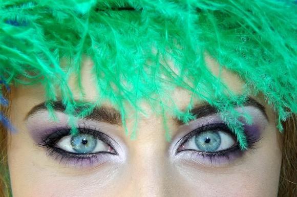 Maquiagem colorida para carnaval 2017