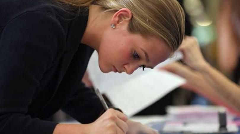 Jovem tem oportunidade de aprender muita numa grande empresa (Foto: Exame/Abril)