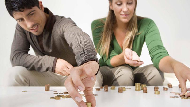 Jovem pode aprender a poupar dinheiro (Foto: Exame/Abril)