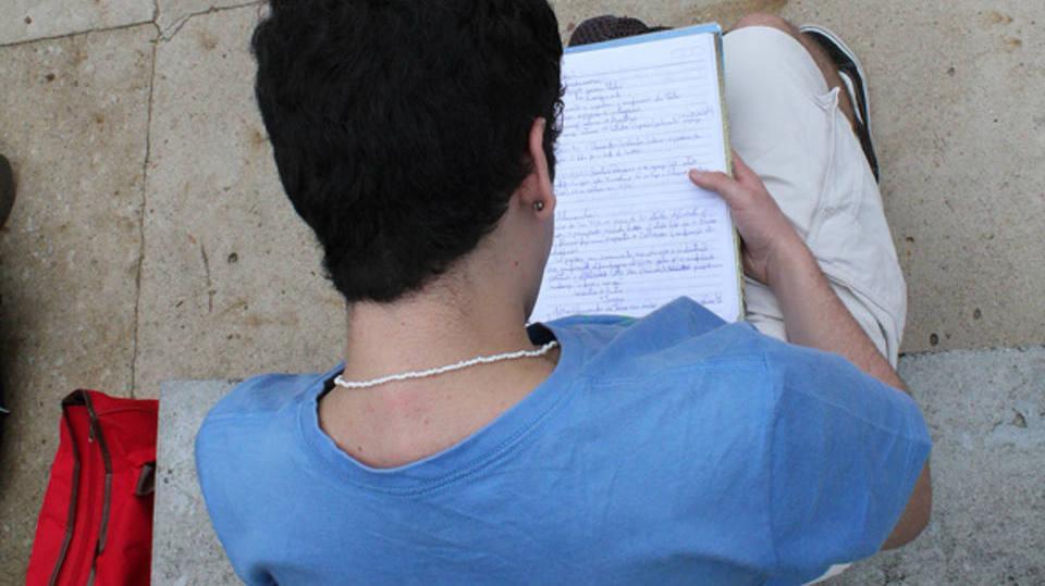 Centenas de estudantes fizeram o Enem para conquistar uma bolsa de estudos (Foto: Exame/Abril)