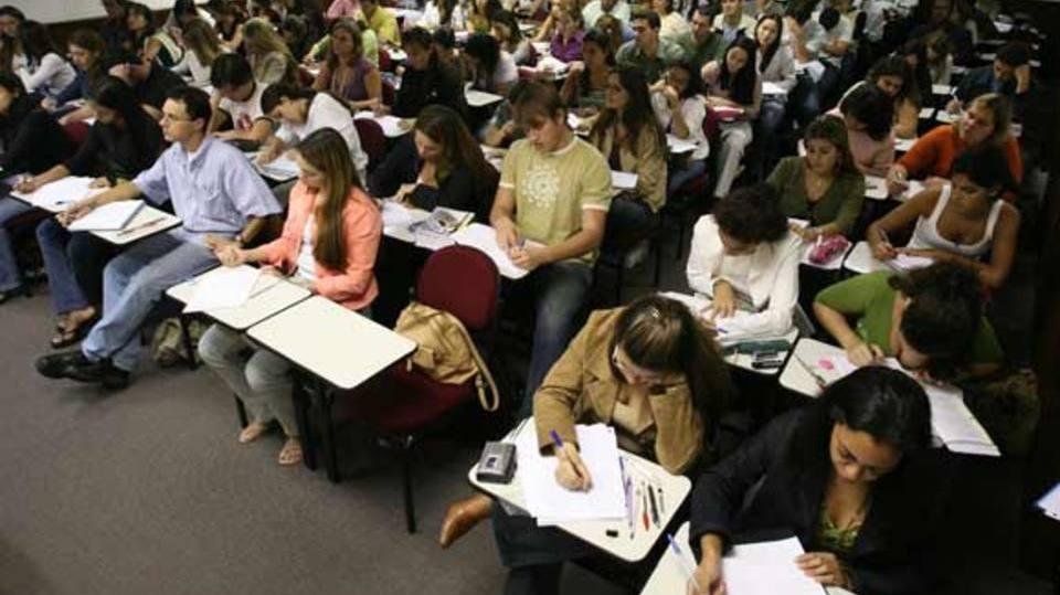 Quem tiver boa nota pode conseguir a bolsa de estudo (Foto: Exame/Abril)