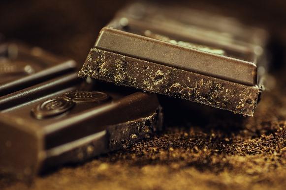 Derreta o chocolate em banho-maria e faça a temperagem. (Foto Ilustrativa)