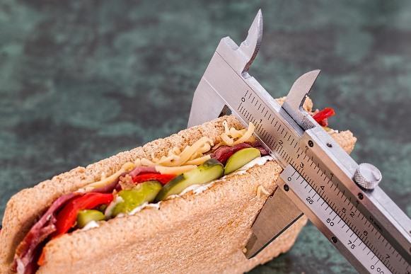 Mastigue bem os alimentos. (Foto Ilustrativa)