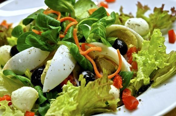 Salada de Peru: Receita Passo a Passo. (Foto Ilustrativa)