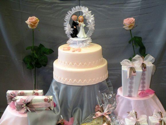 O estilo do bolo varia conforme as preferências do casal (Foto Ilustrativa)