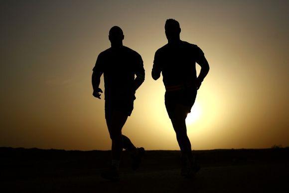 As atividades físicas fortalecem o organismo, deixando o corpo mais saudável (Foto Ilustrativa)