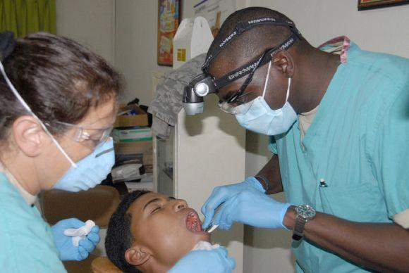 Vagas para dentistas (Foto Ilustrativa)