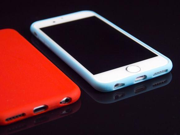 Durante os estudos, nada de mexer no celular (Foto Ilustrativa)