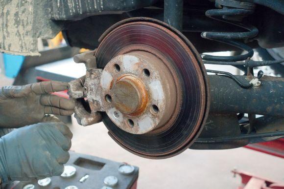 Umas das qualificações é para a manutenção do sistema de freios (Foto Ilustrativa)