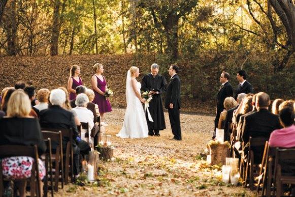 Casamento ao ar livre. (Foto: Reprodução/Bridalguide)