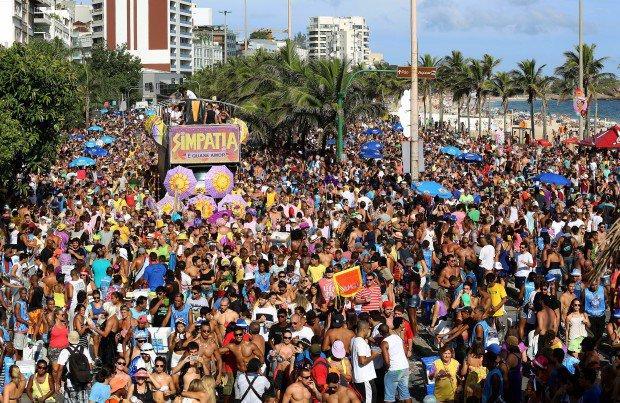 Cariocas estão reforçando a importância dos blocos (Foto: Veja/Abril)
