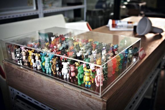 Encontre formas criativas de expor os brinquedos. A decoração com brinquedos fica alegre e divertida. (Foto Ilustrativa)