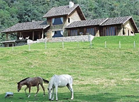 Casa de madeira com cara de fazenda (Foto: Casa Abril)