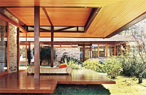 Casa de madeira moderna (Foto: Casa Abril)
