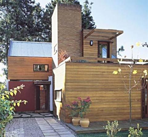 Casa de madeira que fica bem em qualquer ambiente (Foto: Casa Abril)