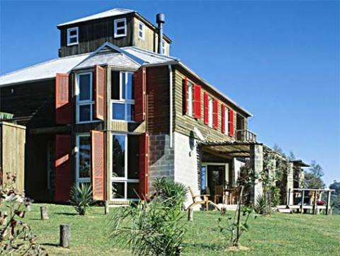 Casa de madeira com colorido especial (Foto: Casa Abril)