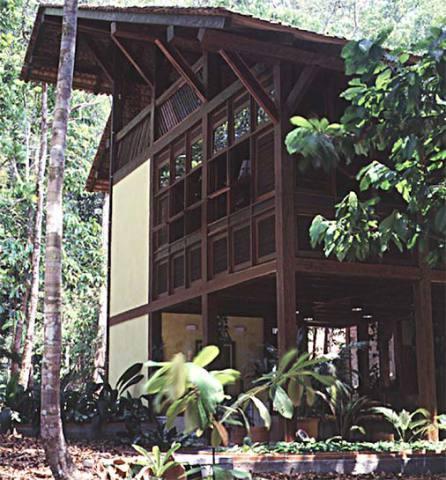 Casa de madeira com arquitetura moderna (Foto: Casa Abril)