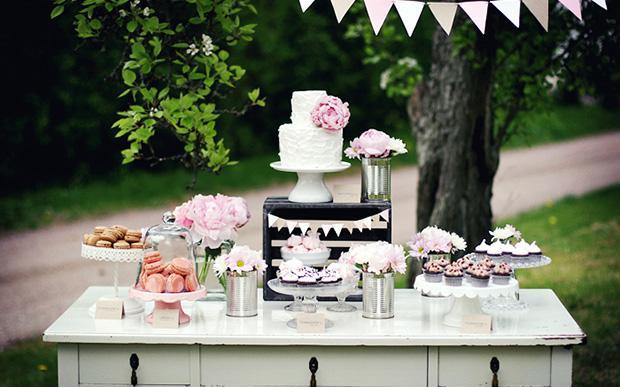 Se quiser, monte uma mesa a parte com toda a comida (Foto: Pinterest)