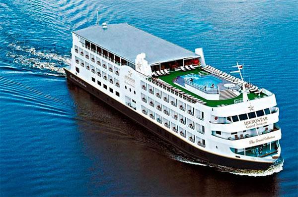 Navio circula pela região do Amazonas (Foto: Divulgação/CVC)