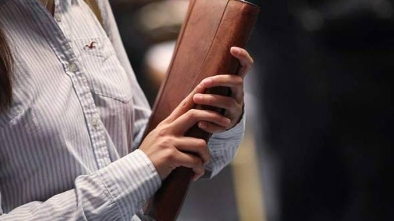 Tenha cuidados básicos com o seu material, incluindo em entregar ele em uma folha limpa, por exemplo (Foto: Exame/Abril)