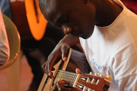Há oportunidades para cursos de música. (Foto Ilustrativa)