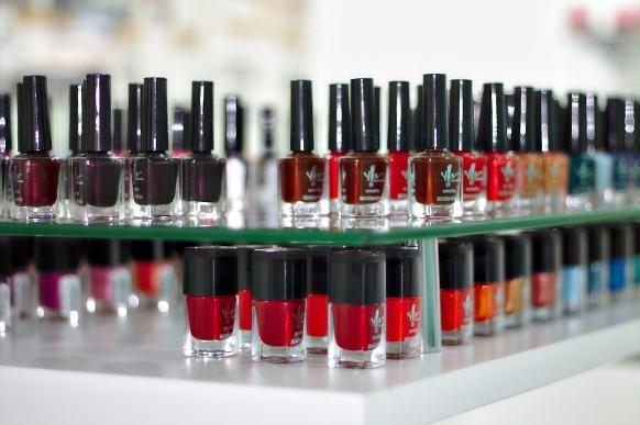 O curso de manicure e pedicure é uma das opções. (Foto Ilustrativa)