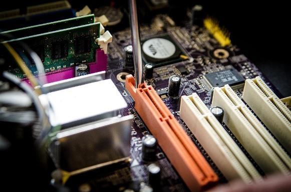 Montagem e manutenção de computadores é um dos cursos disponíveis. (Foto Ilustrativa)
