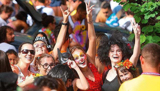 Fantasias para Carnaval Femininas e Masculinas (Foto: Veja/Abril)