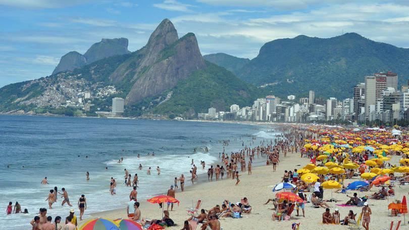 Cidades ficam mais agitadas e recebem centenas de turistas (Foto: Exame/Abril)