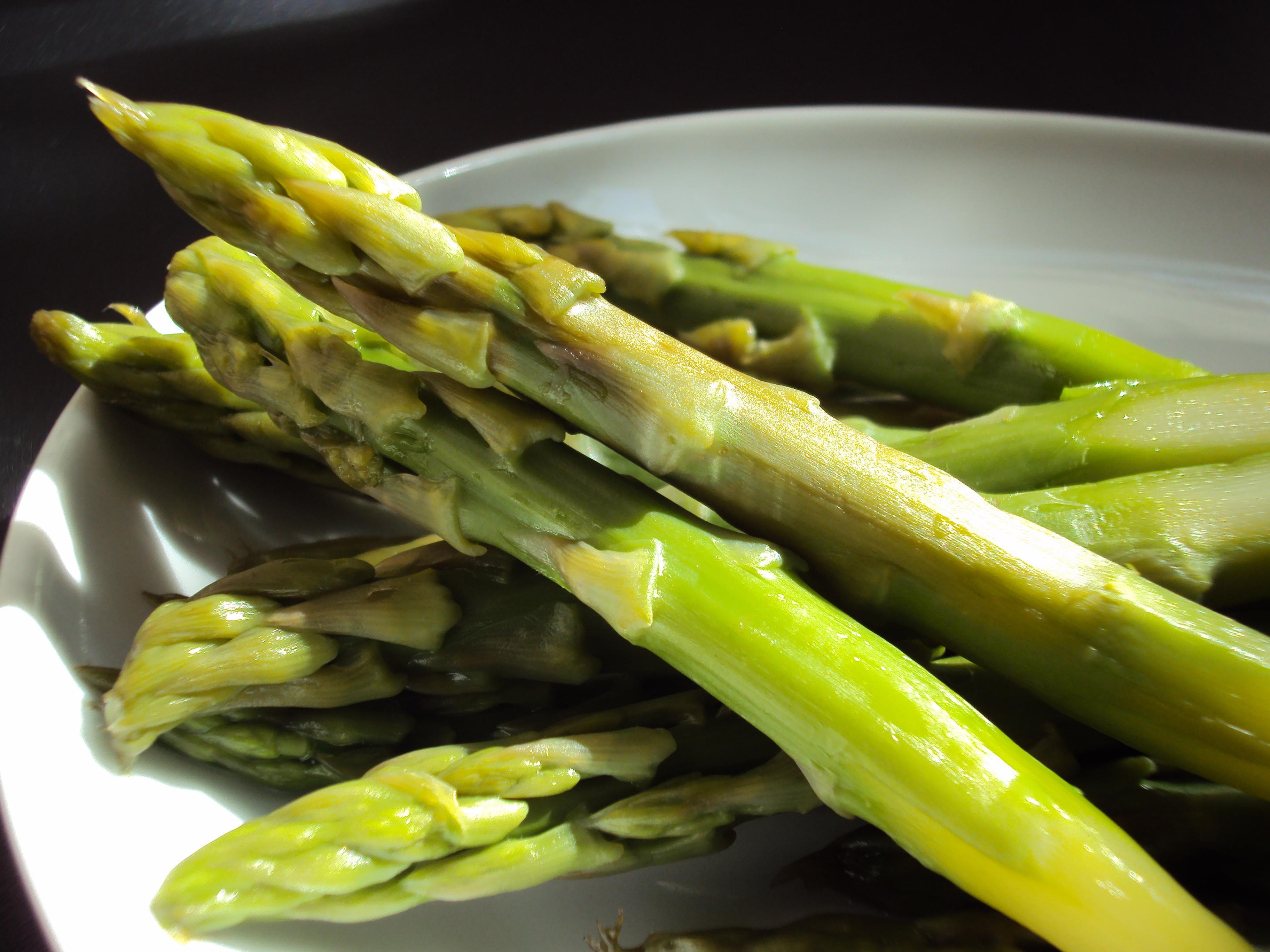 O aspargo é rico em nutrientes que contribuem com a saúde. (Foto Ilustrativa)