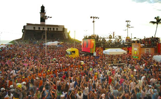 Cidade fica cheia no carnaval (Foto: Viaje Aqui/Abril)