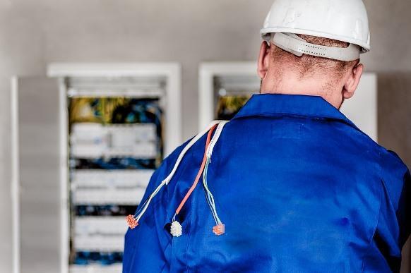 Também há vagas para o curso de eletricista industrial. (Foto Ilustrativa)