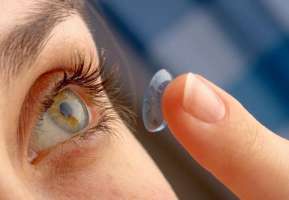 As lentes não podem ficar mais de 12 horas nos olhos. (Foto Ilustrativa)