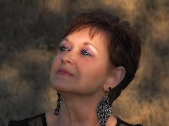 Maquiagem para mulheres idosas. (Foto Ilustrativa)