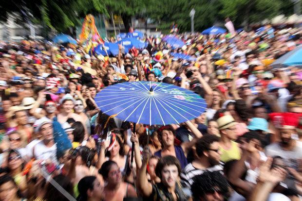 Aproveite para entrar na folia (Foto: Veja Rio/Abril)