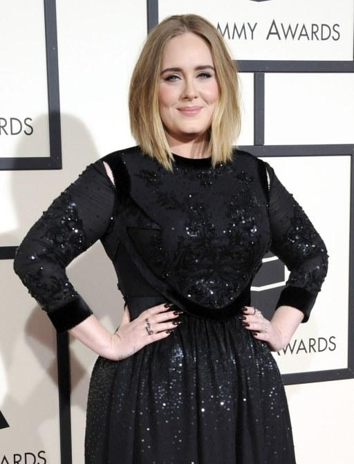 Look de Adele. (Foto: Reprodução/Tomandlorenzo)