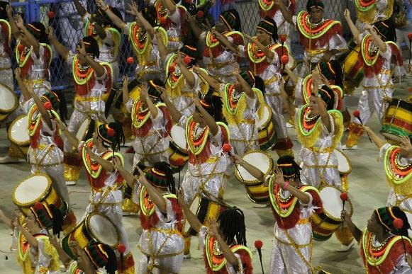 As escolas de samba arrasaram no sambódromo. (Foto Ilustrativa)