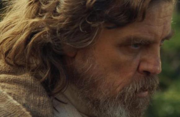 No teaser, aparece o velho Luke Skywalker. (Foto: Divulgação)