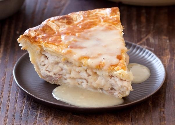 Um delicioso pedaço de torta de frango com catupiry. (Foto Ilustrativa)