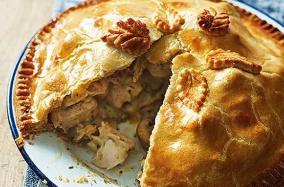 A torta fica com a massa desmanchando e o recheio cremoso. (Foto Ilustrativa)